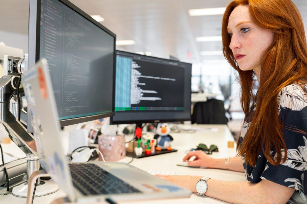 Saiba como implementar software CRM grátis