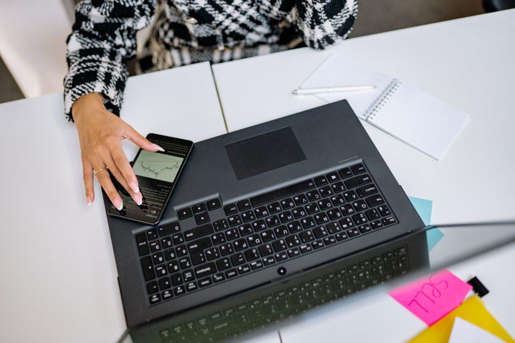 Marketing de afiliados permite trabalhar a partir de casa